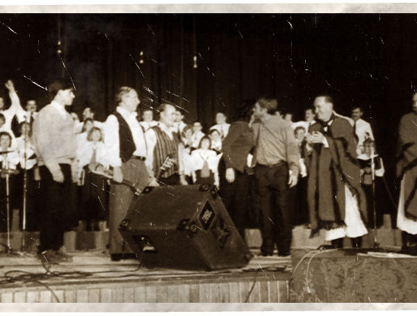 Pianista-en-Misa-criolla-con-Eduardo-Madeo